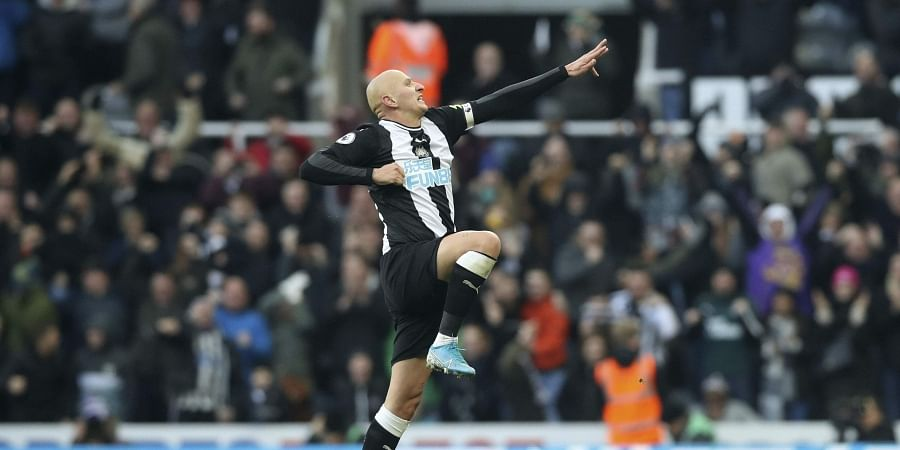 Newcastle United's Jonjo Shelvey celebrates scoring his side's second goal of the game.