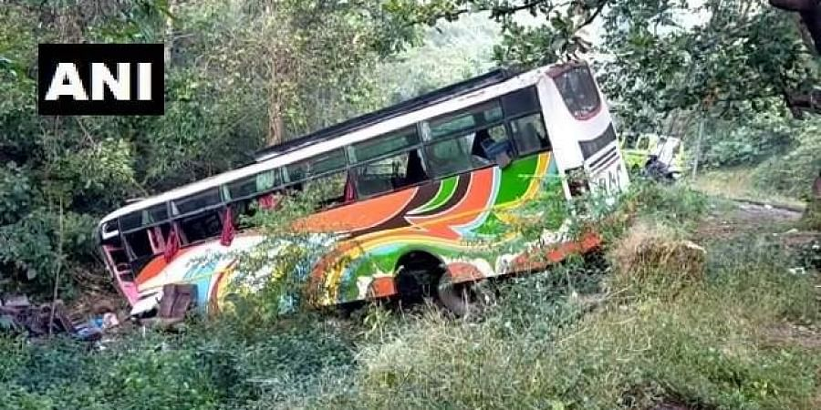 The luxury bus, carrying nearly 47 passengers, was on way to Mumbai from Karad.