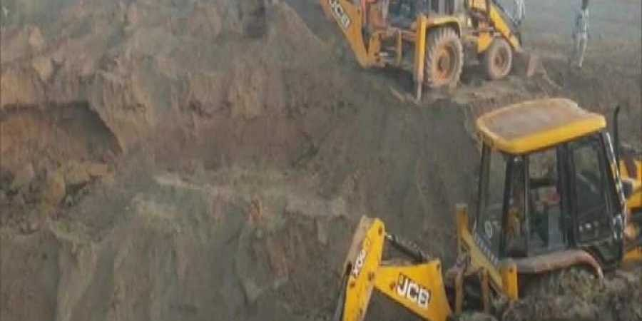 Rescue operation on to pull five-year-old girl out of borewell.