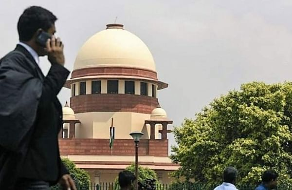 Supreme Courtputs blame on police, lawyers for clashes, says nobody claps with one hand