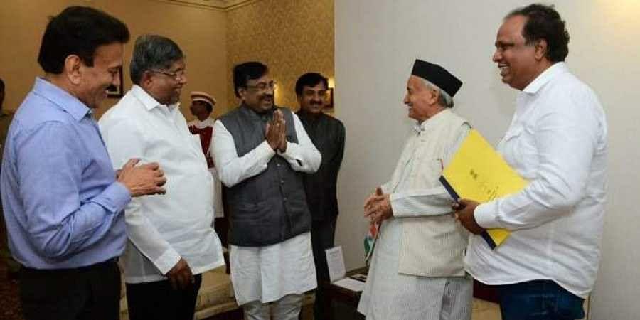 BJP delegation comprising of Girish Mahajan, Chandrakant Patil, Sudhir Mungantiwar and Ashish Shelar met Governor Bhagat Singh Koshyari on Thursday.