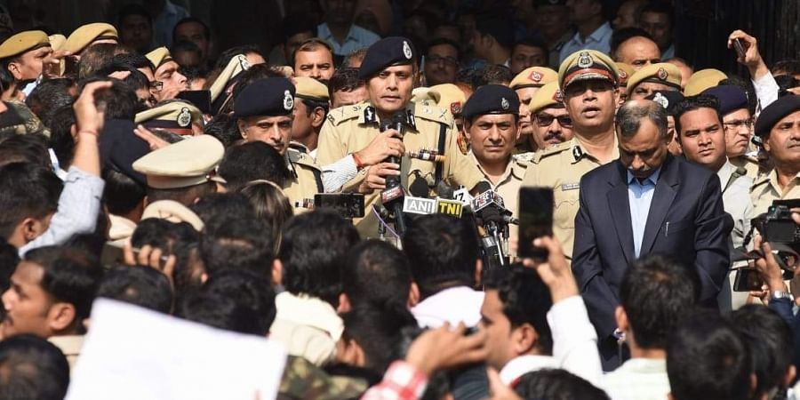 Delhi Police commissioner Amulya patnayak addresses  to police parsonnel  during a protest demonstration against the recent attack by lawyers at the Police headquarters in New Delhi. | (File | EPS)