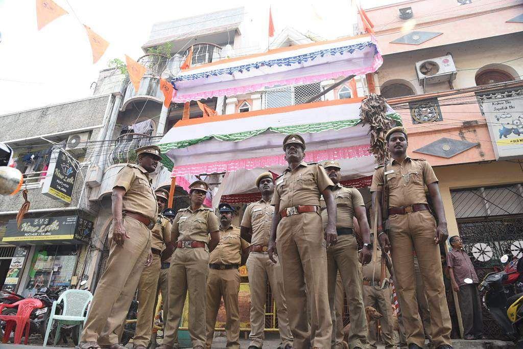 Police deployed at Hindu Munnani office at  Chindadripet in Chennai on Saturday. (Photo | EPS/R.Satish babu)