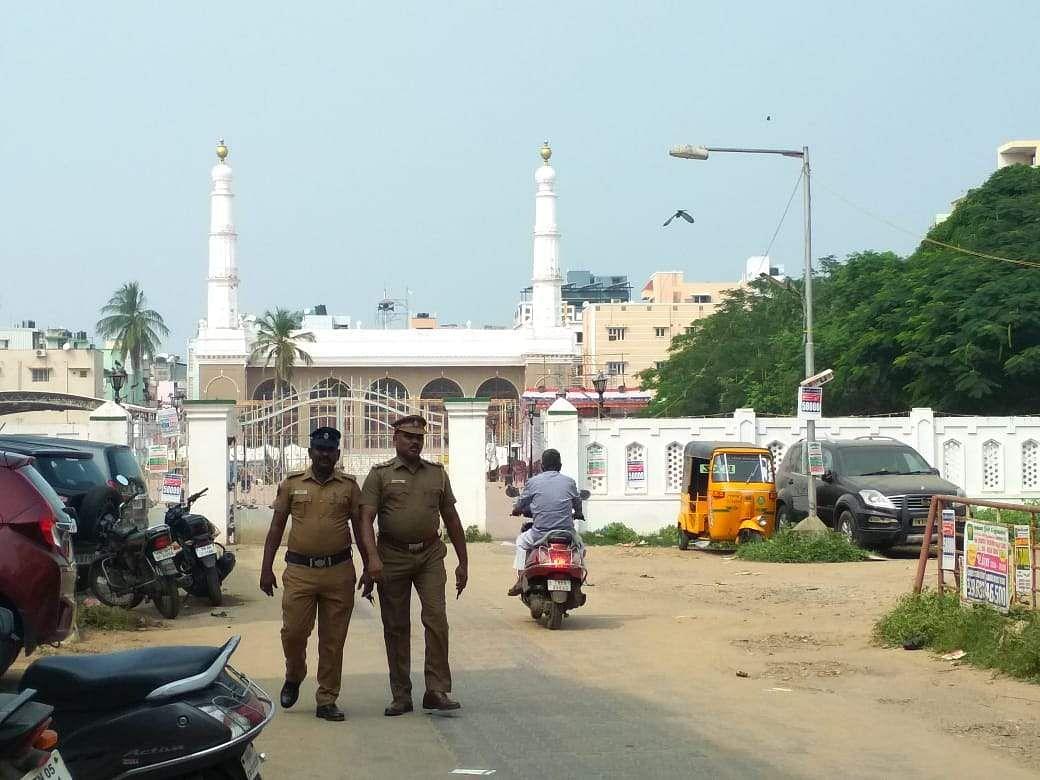 Police personnel stand guard outside Triplicane big mosque at Triplicane in Chennai on Saturday. (Photo | EPS/Debadatta Mallick)