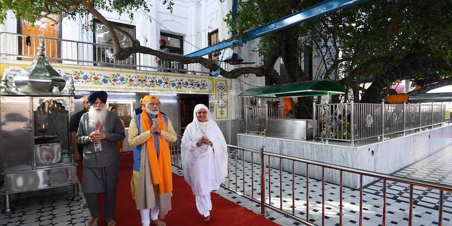 Modi spent nearly 20 minutes at the Gurdwara and listened to the 'kirtan'.   (Photo   Twitter)