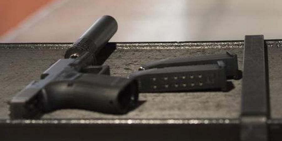 Handguns,guns,shooting