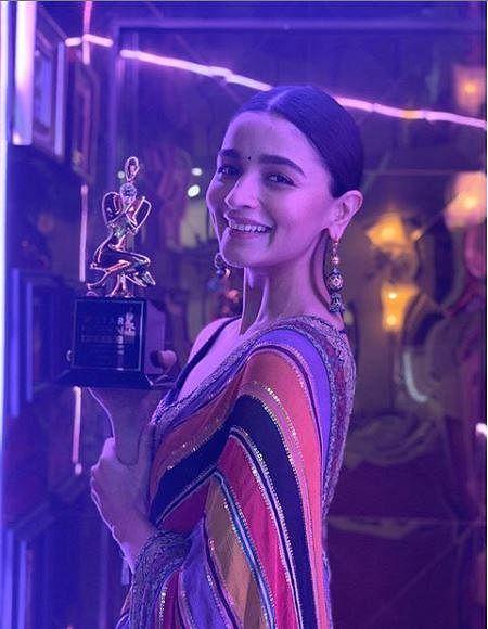 Alia Bhatt took home 'Best Actor (Female)' for 'Gully Boy'.