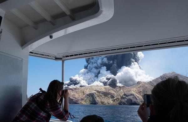 New Zealand volcano eruption: New volcanic activity hampers recovery efforts