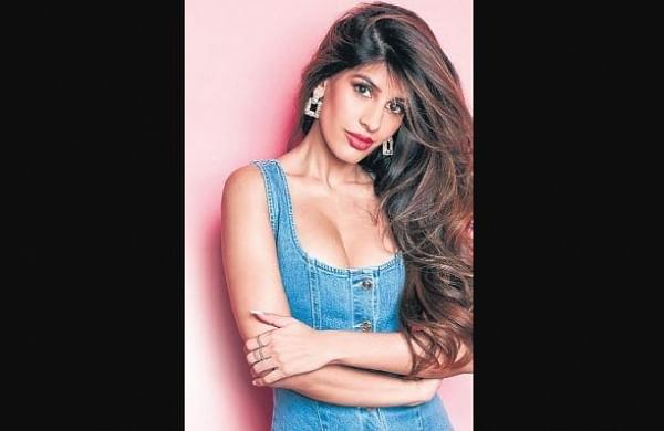 'Bom Diggy' famedJasmin Waliareleasesfirst single in India