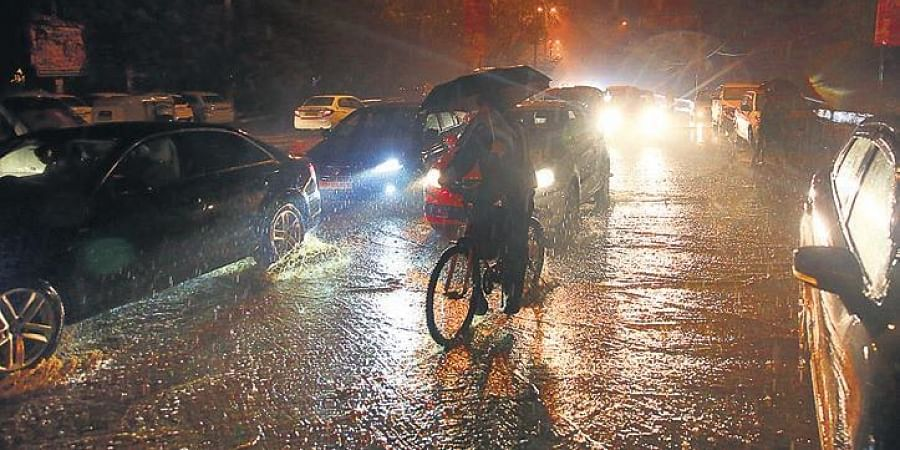 The national capital recorded the highest rainfall in 24 hours in last 29 years on Friday, as the rain gauge read 33.5 mm in Safdarjung Observatory whose data is considered official
