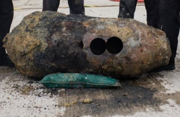 Tens of thousands evacuated in Italy as World War II bomb defused