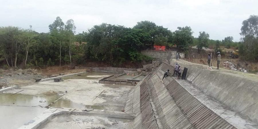 check dam, palar river