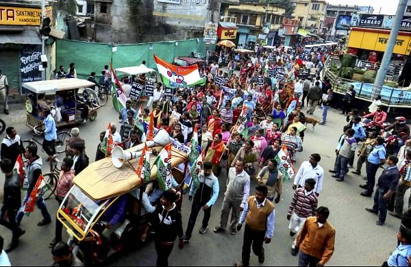 Citizenship Act stir: Road and rail blockades in Bengal as protests enter day four