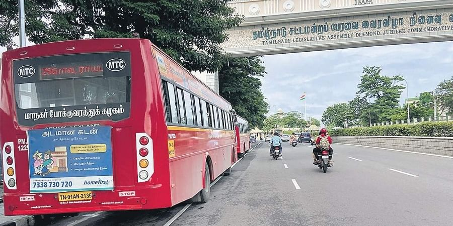 Buses parked in cycle lane near Anna Square on Rajaji Salai. This causes inconvenience to the cyclists and PwD.