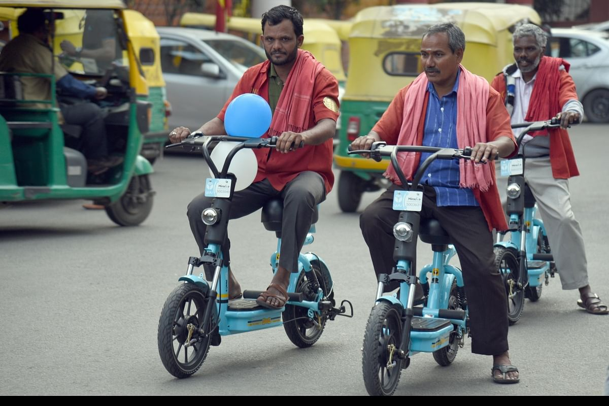 Eco Friendly Yulu Bikes Launched At Bengaluru Railway Stations For Last Mile Connectivity The New Indian Express