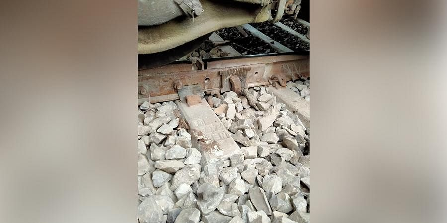 Locals saidthey spotted some nuts and bolts missing from therailway tracknear Hilalapur village under the Branti PS in Vaishali district