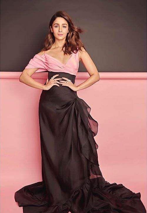 Alia Bhatt bagged the 'Most Stylish Star (Female)' award.