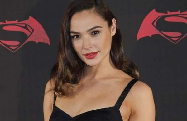 "Gal Gadot to produce US remake of Israeli crime drama ""Queens"""