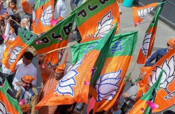 Dozen of Maharashtra BJP MLAs likely to jump ship and join Congress or NCP