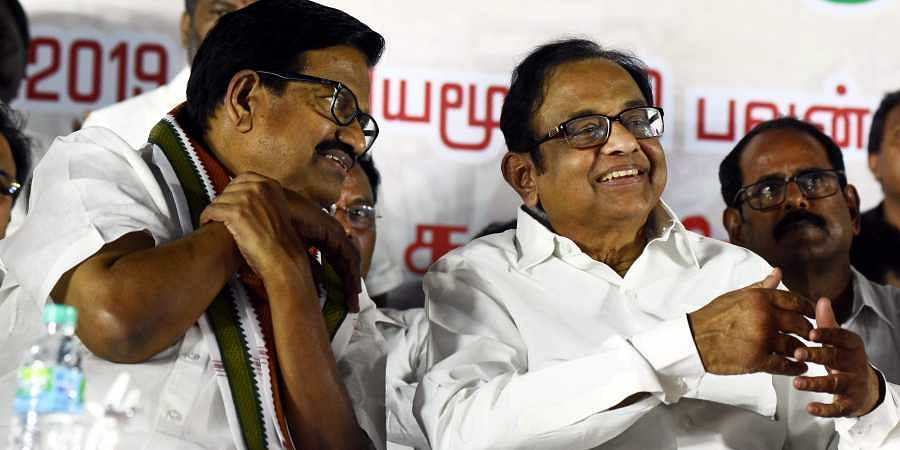 Ex-Finance Minister P Chidambaram shares his words with KS Alzhagiri at the welcome meet oraganised by Tamil Nadu Congress Committee at its party head quarters in Chennai on Saturday. (Photo | Ashwin Prasath/EPS)
