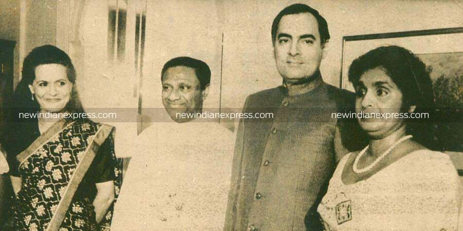 Former PM Rajiv Gandhi and his wife Sonia Gandhi with ex-Sri Lankan PM Premadesa.