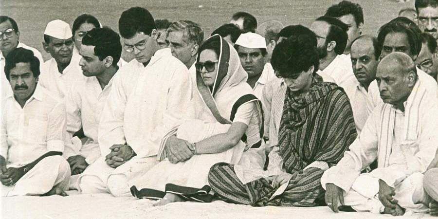 Congress interim chief Sonia Gandhi with her son Rahul Gandhi at the Rajiv Gandhi memorial meeting.