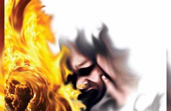 Woman set on fire by neighbourin Bihar after failed rape bid