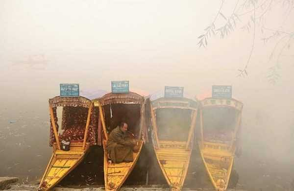 Srinagar records season's coldest night, Drass frozen at minus 26°C