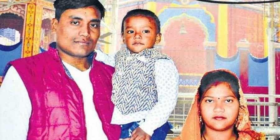 Slain CRPF jawan Ratan Kumar Thakur with his wife and son.