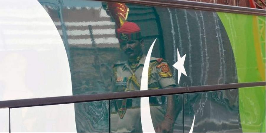 Delhi-Lahore bus made to drive over Pakistani flag in Punjab