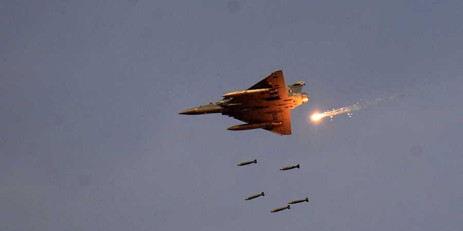 Indian Airforce, After Indian Airforce Bombed PoK, This Is How Politicians In Odisha Responded & We Stand United!