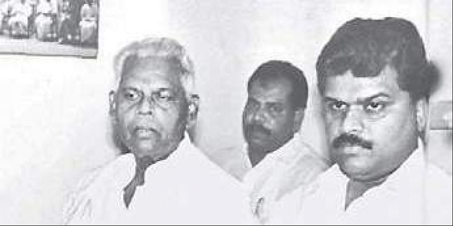 Moopanar with his son GK Vasan.