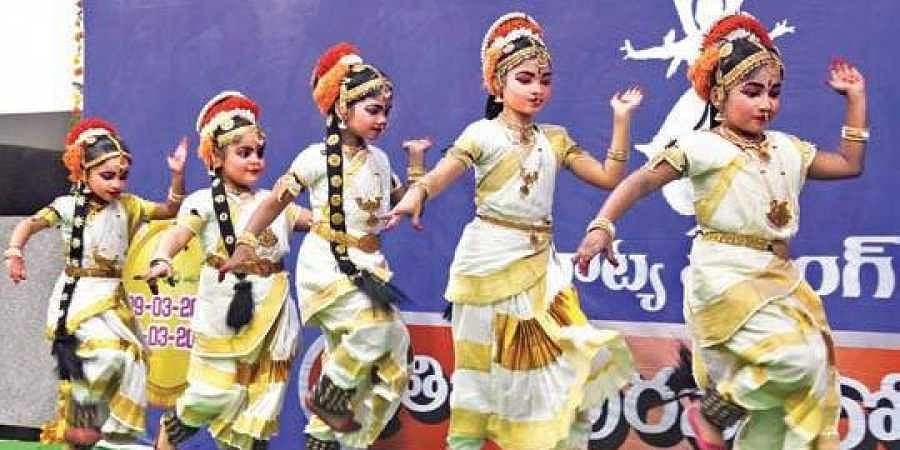 800 young dancers make audience tap their feet- The New Indian Express