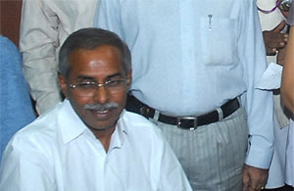 YS Vivekananda Reddy Picture: Ex-minister YS Vivekananda Reddy Known As People's Leader