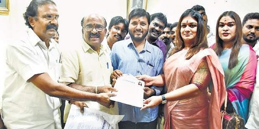 Apsara Reddy filing her application for contesting LS  election at Sathya-moorthi Bhavan in Chennai on Saturday.