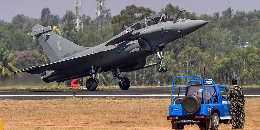 Pakistani fighter pilots received training on Rafale jets? No, says