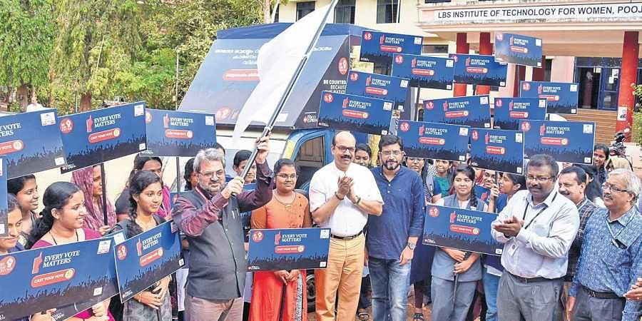 Chief Electoral Officer Teeka Ram Meena flagging off the Cast Your Vote campaign vehicle launched by the The New Indian Express in Thiruvananthapuram on Thursday. TNIE Resident Editor Kiran Prakash, General Manager P Vishnu Kumar, Assistant Manager S Kris