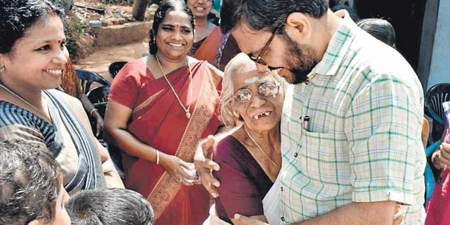 LDF candidate in Palakkad M B Rajesh meets voters in Shankaramangalam in Pattambi
