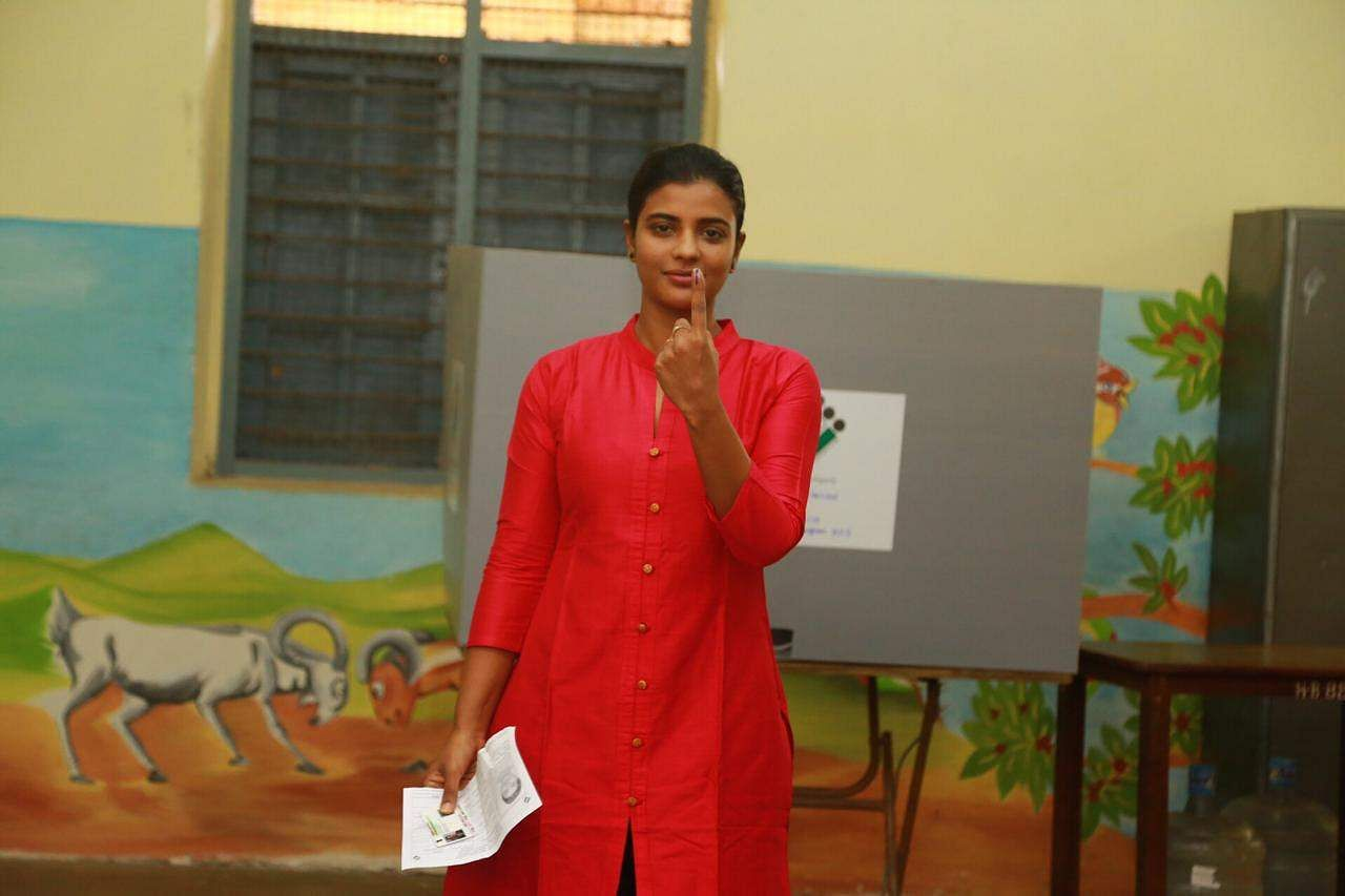 Tamil actor Aishwarya Rajesh casts her vote in Chennai.