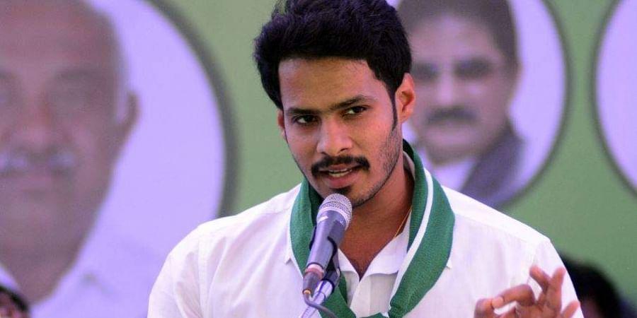 I-T raids: Rs 150 crore conversation over Mandya Lok Sabha seat proves costly for JDS in Karnataka