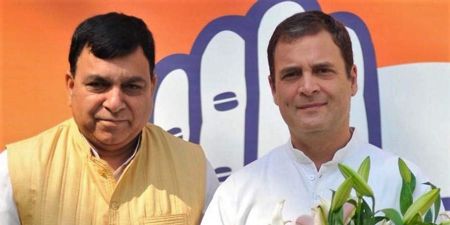Three-time MP Suresh Chandel with Congress chief Rahul Gandhi