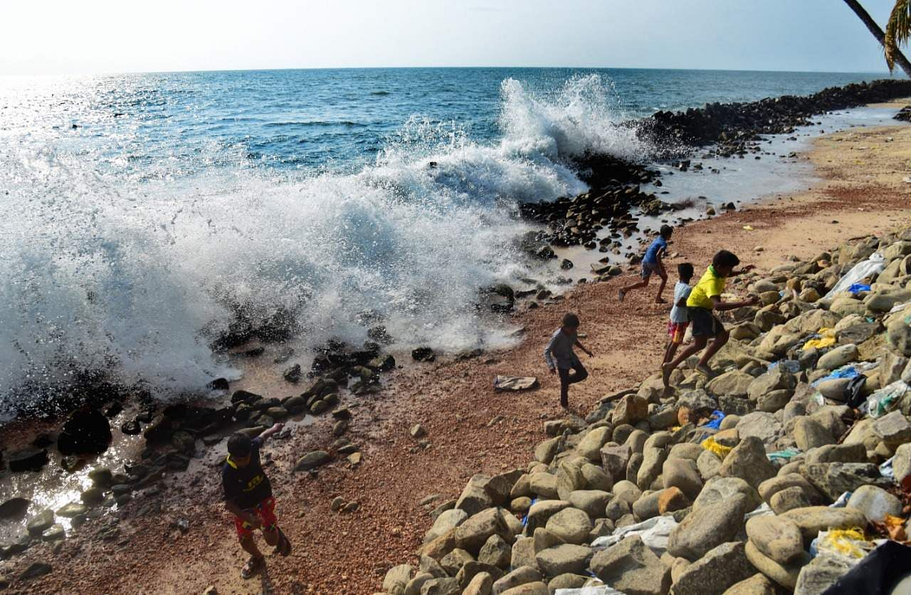 Fierce waves batter the seawall along Chellanam coast in Kerala's Ernakulam, amid forecasts of heavy rains in the coming days. (Photo | Albin Mathew, EPS)