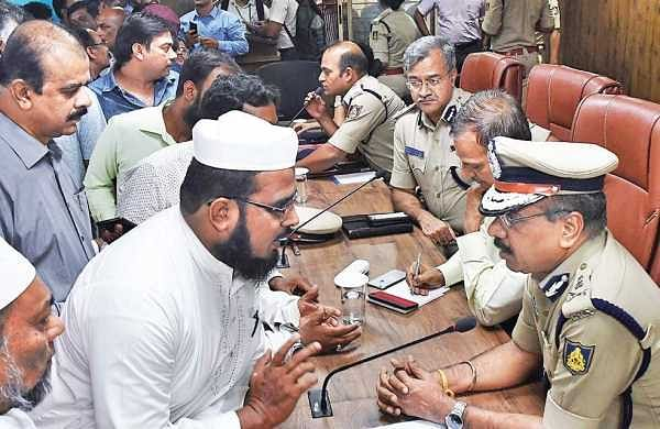 Senior police officers led by City Police Commissioner T Suneel Kumar hold a meeting with heads of religious institutions, hoteliers and businessmen after terror attacks in Sri Lanka | Pushkar V