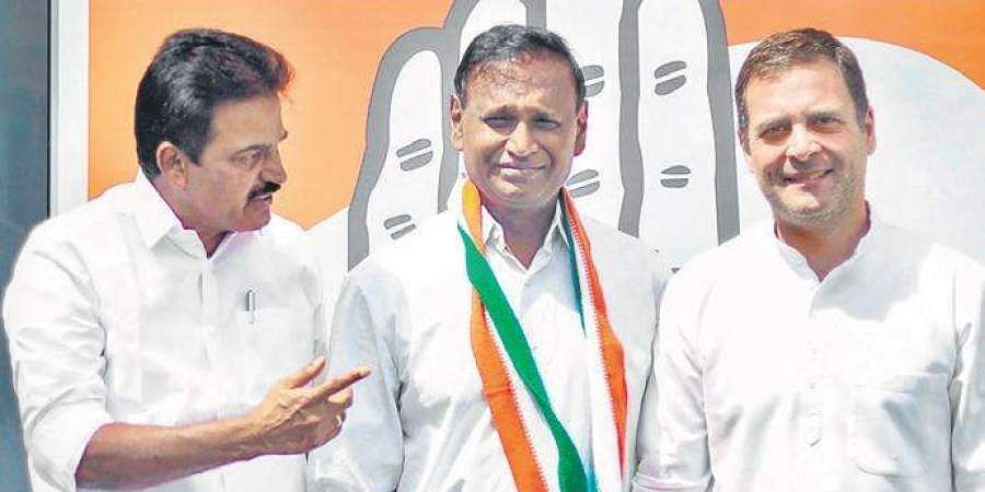 Udit Raj (BJP to Congress): The Dalit leader (centre) switched his alliance to the Grand Old Party. The sitting MP from North West Delhi was miffed over not getting a ticket.