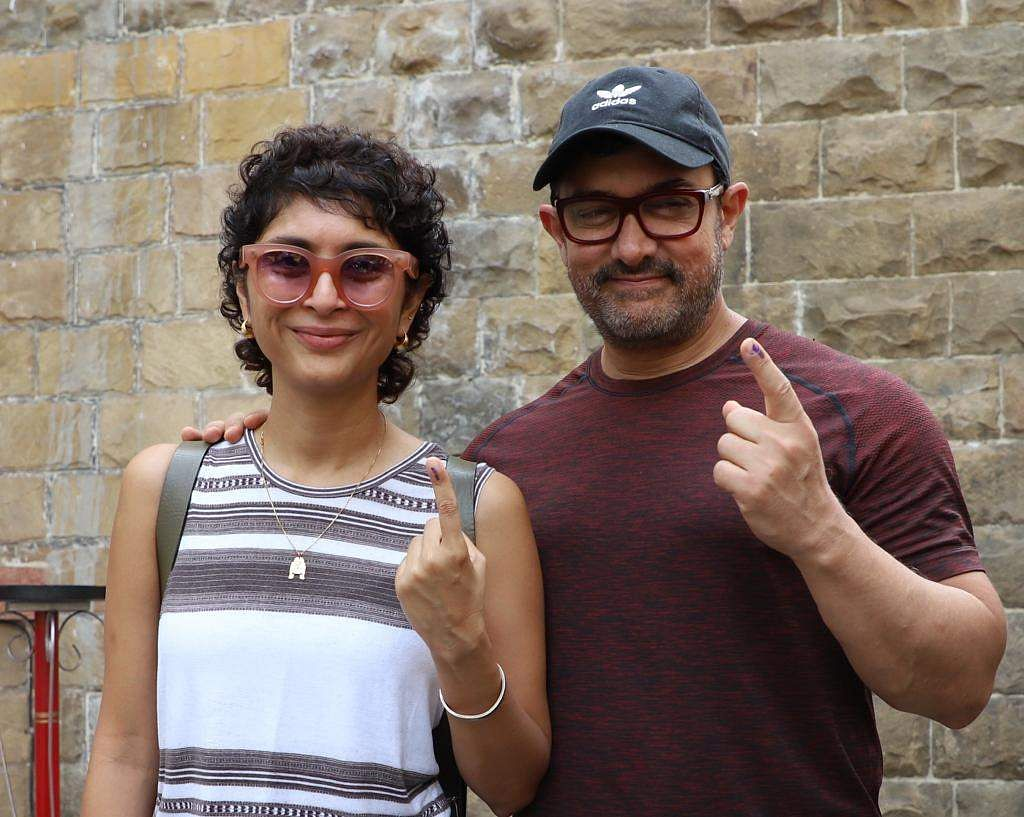 Aamir Khan with wife Kiran Rao after casting vote.