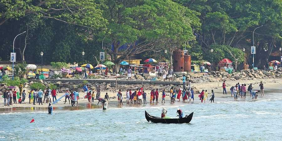 Tourists throng the Fort Kochi beach on Sunday despite the IMD warning that a cyclonic storm may hit the coast   Albin Mathew
