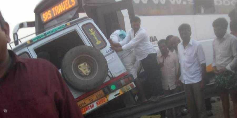 14 killed in bus-jeep collision in Andhra Pradesh- The New