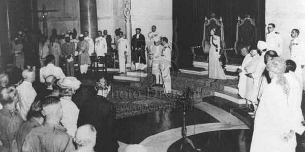 15-08-1947: Jawaharlal Nehru taking oath as the first Prime Minister of independent India. He served  as the country's PM for 16 years, until his death in 1964. He was appointed by Lord Mountbatten and later held his office under the Presidentship of Dr R