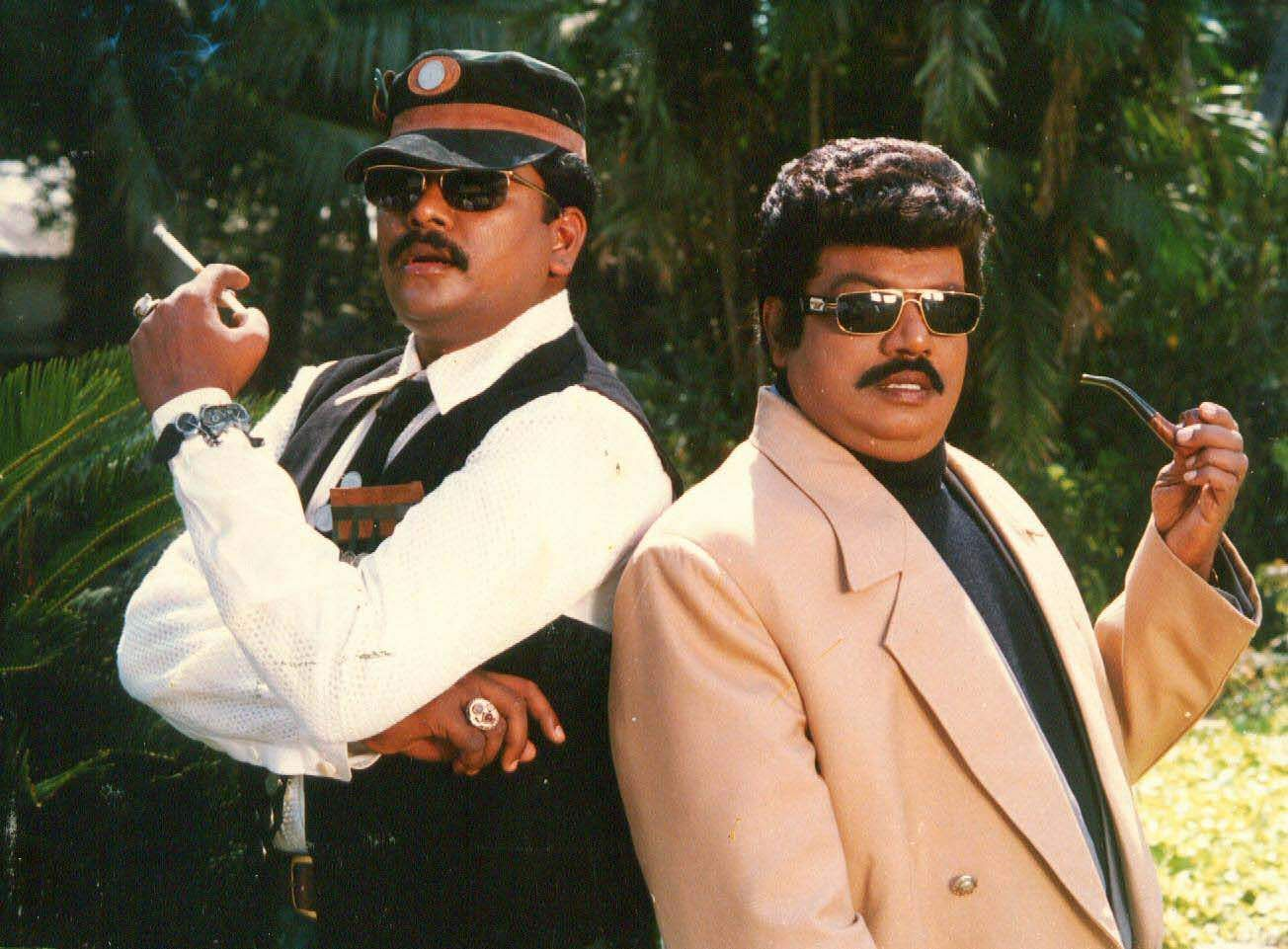 Actors Parthiban (L) and Goundamani (R) in 'Tata Birla' movie.