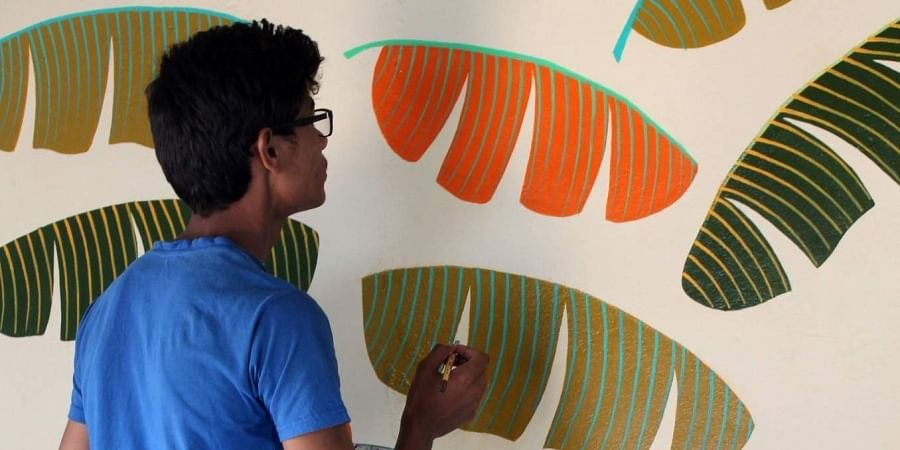 Himanshu Ahirwar  looking for help to study the course of his dreams at NIFT.